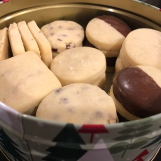 Cute Christmas tins for shortbread cookies